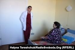 Олег Дуда і його пацієнтка
