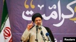 ابراهیم رئیسی در انتخابات دوازدهم ریاستجمهوری ایران بیش از ۱۵ میلیون رای به دست آورد.