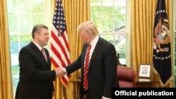 Дональд Трамп (у) һәм Гиорги Квирикашвили