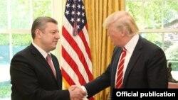 Президент США Дональд Трамп принял в Белом доме премьер-министра Грузии Георгия Квирикашвили. Вашингтон, 8 мая 2017 года.