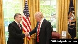 Президент США Дональд Трамп принял в Белом доме премьер-министра Грузии Гиорги Квирикашвили