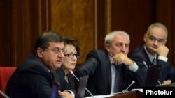 Члены фракции АНК в парламенте Армении