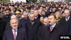 Heydər Əliyev öz komandası ilə, 21 mart 2003
