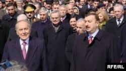 Heydər Əliyev və İlham Əliyev, 2003
