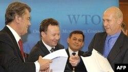 В апреле Украина подтвердила претензии на полноценное участие в НАТО, а в мае станет членом ВТО