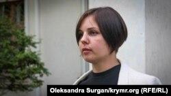 Ольга Динзе возле суда, Раздольное, 2 июля 2018 года