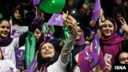 براساس آخرین آمار رسمی بیش از ۲۷ میلیون نفر (۷۴ درصد از کل کاربران اینترنت در ایران) از طریق موبایل به اینترنت دسترسی دارند