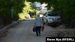Без асфальта месяцами: в Севастополе застопорились ремонты дорог и тротуаров (фотогалерея)