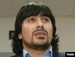 Казбек Дукузов был одним из трех подозреваемых в убийстве. Его вина не была доказана