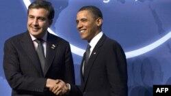 За три года своего президентства Барак Обама впервые пригласил Саакашвили в Овальный кабинет