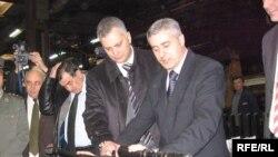 Ministri Dinkić i Šutanovac u poseti fabrici Zastava oružje