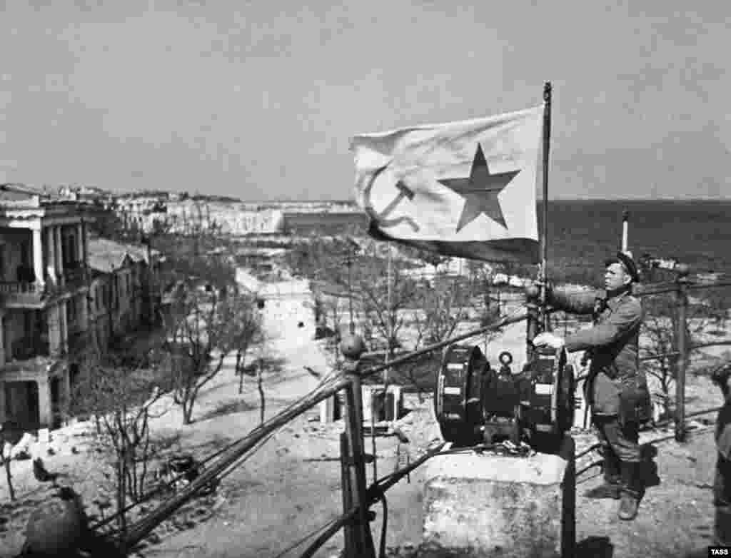 Ukraine -- Crimea -- Sevastopol - World War II - Великая Отечественная война, 1944 год