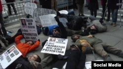 "Акция ""Die-In"" движения Act Up. Фото группы ACT UP NY (Facebook)"