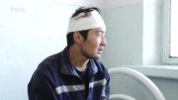Баткен: Чек арада эки кыргызстандык жарадар болду