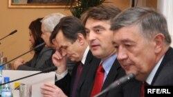 Haris Silajdžić, Željko Komšić i Nebojša Radmanović, 16. februara 2010. Foto Midhat Poturović