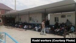 Бастующие рабочие компании «КЕЗБИ» в Жанаозене