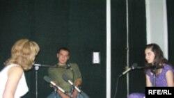 """Səməd Səfərov və Aysel Novruz """"Azadlıq"""" radiosunun Bakı Bürosunda, 28 iyul 2006"""