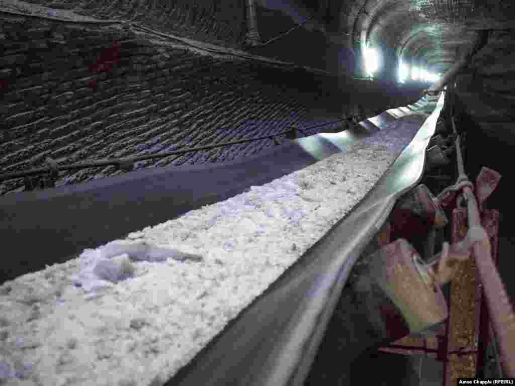 Ground salt being zipped toward an elevator that will transport it to the surface.