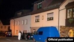 Pamje nga apartamenti ku janë gjetur trupat e fëmijëve.