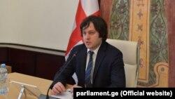 По словам Ираклий Кобахидзе, создание комиссии, большинство в которой составили депутаты из парламентского меньшинства, было само по себе беспрецедентным шагом. Однако этой комиссии не удалось установить истину