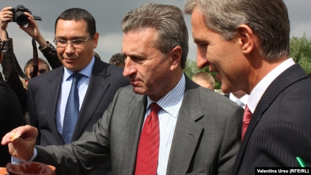 Romanian Prime Minister Victor Ponta, European Commissioner for Energy Guenther Oettinger, and Moldovan Prime Minister Iurie Leanca were all in attendance for the opening of the Iasi-Ungheni pipeline
