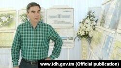 Президент Туркменистана ознакомился с проектом новостроек в столице (архивное фото)
