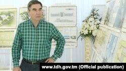 Türkmenistanyň prezidenti Gurbanguly Berdimuhamedow. Türkmenistanyň döwlet habarlar agentliginiň (TDH) websaýtyndan alnan surat