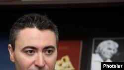 Մաքսիմ Վենգերովը երևանյան մամլո ասուլիսի ժամանակ, 18.02.2011