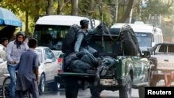 وزارت دفاع افغانستان: در این رویداد ۳۵ تن کشته شده و بیش از یکصد تن دیگر زخم برداشتند.