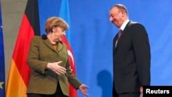 Almaniya - Azərbaycan prezidenti İlham Əliyev və Almaniya kansleri Angela Merkel Berlində birgə mətbuat konfransından sonra, 21 yanvar, 2015