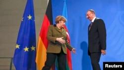 Озарбайжон Президенти Илҳом Алиев 21 январь куни Берлинда Германия Канцлери Ангела Меркель билан учрашди.