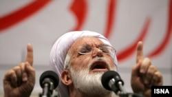 مهدی کروبی، از رهبران مخالفان دولت