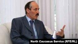 Оьрсийчоь -- Абдулатипов Рамазан, Пачхьалкхан думин депутат