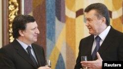 Жазэ Мануэл Барозу і Віктар Януковіч