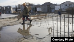 Наблюдатели обратили внимание, что проблему полной дотационности республиканского бюджета чаще всего поднимают сторонники идеи присоединения Южной Осетии к России