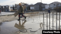 Большинство трудовых мигрантов, приехавших в Южную Осетию, заняты на строительных работах, куда неохотно идут местные жители