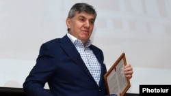 Armenia - Russian-Armenian businessman Ara Abrahamian at an awards ceremony in Yerevan, 2May2017.