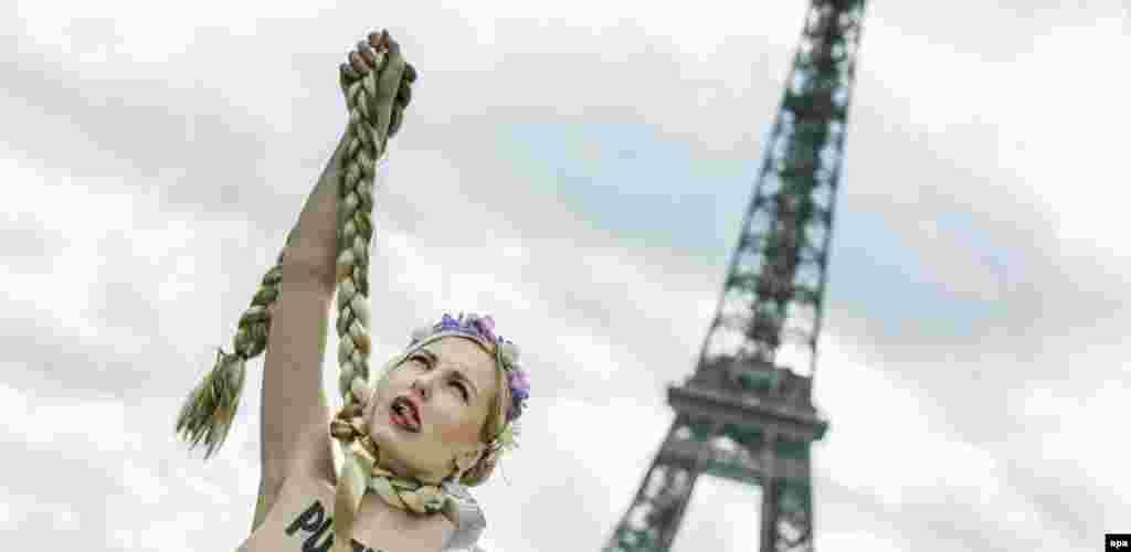 یکی از اعضای گروه فمن و حمایت از یولیا تیموشنکو. حامیان خانم تیموشنکو او را رییس جمهوری بعدی اوکراین می دانند