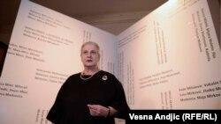 Borka Pavicević na izložbi povodom 20 godina CZKD