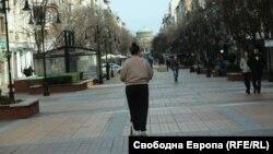 Мерките против разпространението на COVID-19, въведени на 8 март се удължават до 12 април със заповед на минитър Кирил Ананиев. Голяма част от мерките предвиждат хората масово да си останат по домовете
