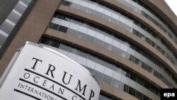 Здание отеля Trump Ocean Club, принадлежащего компании Трампа, в Панаме.