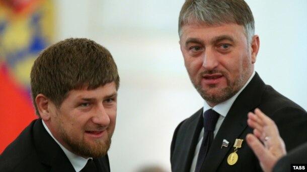 Ramzan Kadırov (sol) və Adam Delimkhanov, 12 dekabr 2013