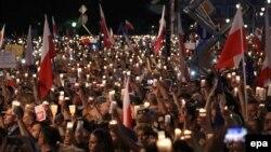 Акция против реформы Верховного суда в Польше, Варшава, июль 2017 года