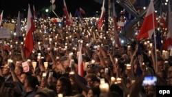 Польшадағы сот жүйесін реформалауға қарсы акция. Варшава, 20 шілде 2017 жыл.
