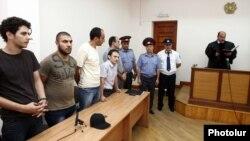 Четверо активистов АНК во время оглашения приговора в суде общей юрисдикции, Ереван, 20 июля 2012 г.