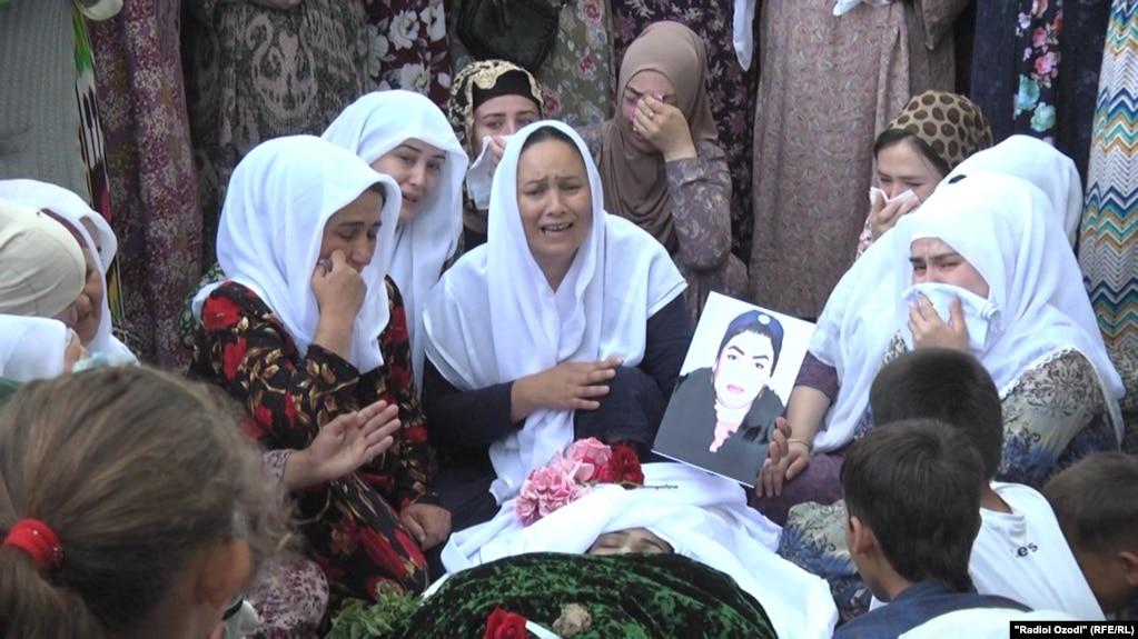 В больнице умерла мать и троих детей, от взрыва газа в районе Рудаки