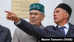 Госсоветник республики Татарстан Минтимер Шаймиев и президент Татарстана Рустам Минниханов (слева направо)
