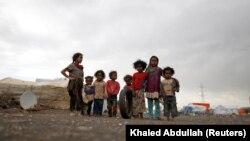 گروهی از کودکان یمنی در این تصویر از سال ۲۰۱۸ در نزدیکی صنعا