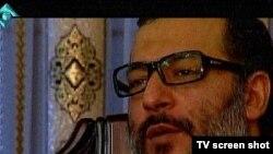 تصویر محمدرضا مدحی در مستند «الماسی برای فریب» که از تلویزیون دولتی ایران پخش شد.