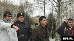 «Dalğa» Gənclər Hərəkatının 14 fəalını polis saxlayıb. 31 yanvar 2008